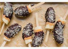 Μπανάνες με σοκολάτα και φυστικοβούτυρο σε ξυλάκι