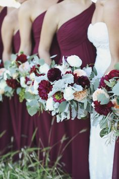 Good balance of burgundy, white, dusty miller, maybe just add cedar and brunia and a little of the wispy agonis? Maroon Wedding Colors, Burgendy Wedding, Cranberry Wedding Colors, Wedding Color Schemes Fall Rustic, Burgundy Wedding Flowers, November Wedding Flowers, Elegant Wedding Colors, Burgundy Bouquet, Dark Red Wedding