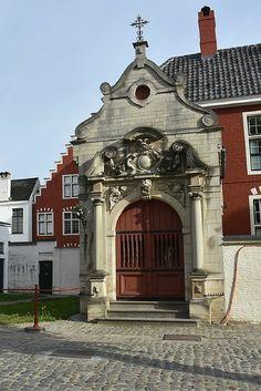 Het Begijnhof in Gent staat op de UNESCO werelderfgoed lijst. Bekijk alle bezienswaardigheden in Gent   Mooistestedentrips.nl