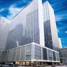 The New York Hilton Midtown is the largest hotel in New York City and world's tallest hotel. The hotel is corporate owned and mana. Nyc Hotels, New York Hotels, Luxury Hotels, Best Hotel Deals, Best Hotels, Amazing Hotels, Cheap Hotels, Hotel Offers, New York City