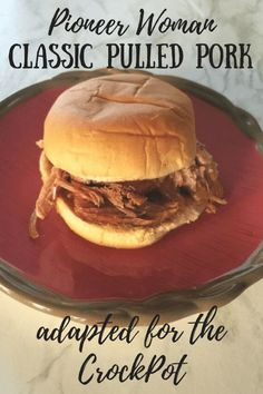 Pioneer Woman Classic Pulled Pork - Adapted for the Crock Pot - Life on the Bay Bush Pulled Pork Oven, Barbecue Pulled Pork, Shredded Pork Recipes, Pulled Pork Recipes, Boston Butt Crockpot Recipe, Supper Ideas, Dinner Ideas, Carolina Pulled Pork, Slow Cooker Pork Roast