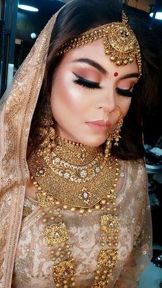 Perfect Bridal Makeup & Antique Jewellery necklace set - New Ideas Perfect Bridal Makeup & Antique Jewellery necklace set - New Ideas Soft Bridal Makeup, Beautiful Bridal Makeup, Asian Bridal Makeup, Pakistani Bridal Makeup, Indian Wedding Makeup, Indian Makeup Looks, Indian Bridal Photos, Indian Bridal Fashion, Bridal Looks