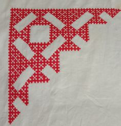 Bead Embroidery Tutorial, Hand Embroidery Designs, Beaded Embroidery, Sewing Stitches, Embroidery Stitches, Kutch Work Designs, Crochet Wool, Embroidered Blouse, Indian Outfits