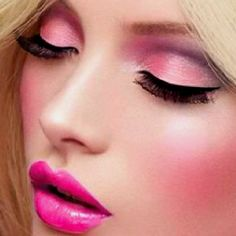 Pretty in pink(:  Love the eyeshadow!