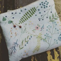 "88 Likes, 3 Comments - 우주코끼리 (@silosilo__) on Instagram: ""#자수파우치 & 버찌와 꽃마리 #embroidery #handmade #neddlework #생활자수 #프랑스자수 #야생화자수 #우주코끼리일상자수 #silosilo #하남…"""