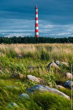Стороженский маяк. Маяк расположен в поселке Сторожно на южном выступе в Ладожском озере