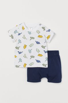 Pyjama T-shirt and shorts in soft organic cotton jersey. Patterned T-shirt with narrow ribbing around the neckline and a press stud on one shoulder (not in Baby Outfits Newborn, Baby Boy Newborn, Baby Boy Outfits, Newborn Schedule, Baby Doll Nursery, T Shirt And Shorts, Kids Store, Coton Bio, Cute Baby Clothes