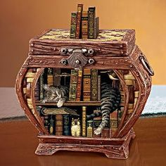 """Wysocki Music box! I want it! plays """"All I Have to do is Dream"""""""