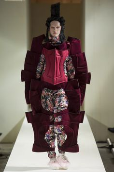 Comme des Garçons Fall 2016 Ready-to-Wear Fashion Show  http://www.theclosetfeminist.ca/  http://www.vogue.com/fashion-shows/fall-2016-ready-to-wear/comme-des-garcons/slideshow/collection#13