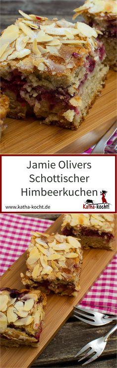 Dieser schottische Himbeerkuchen mit einem luftigen und saftigen Teig, feinen Mandelblättchen und einer leichten Whiskeynote ist ganz einfach gebacken und gelingt immer. Das Originalrezept ist von Jamie Oliver, ich habe ihn im Laufe der Jahre ein wenig abgewandelt. Das Rezept gibt es auf katha-kocht! Jaimie Oliver, Katha Kocht, German Baking, Raspberry Cake, Bakery Cakes, Sweet Bakery, Cake & Co, Sweet Pastries, Sweets Cake