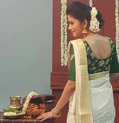 Discover recipes, home ideas, style inspiration and other ideas to try. White Saree Blouse, Engagement Hairstyles, Engagement Pics, Kasavu Saree, Sarees, Kerala Saree Blouse Designs, Set Saree, Saree Hairstyles, Kerala Bride