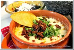Melted Cheese with Chorizo ​​sencilla Simple recipe to prepare - Free Tutorial. - Melted Cheese with Chorizo, ready to eat - Authentic Mexican Recipes, Mexican Food Recipes, Ethnic Recipes, Paleo Recipes, Baking Recipes, Queso Fundido, Fundido Recipe, Mexican Chorizo, Chorizo Recipes
