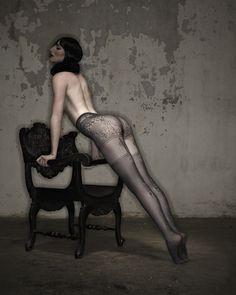 #lingerie #ericam #hosiery #autumntrends #legwear #bodywear #tights #pantyhose #sexy #undergarment #secondskin #Lourdes #Shadow #Leg