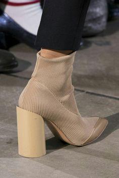 Лучших изображений доски «модная обувь»  883 в 2019 г.   Pumps, Wide ... b812252e3c8
