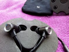 review Master & Dynamic ME03 In Ear Flat Sounding Headphones! - See more at: http://www.gadgetexplained.com/2016/11/master-dynamic-me03-in-ear-flat.html#sthash.gk0SmIOk.dpuf