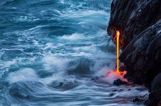 Agua y lava en Hawái