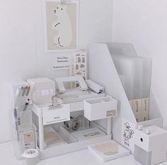 Study Room Decor, Cute Room Decor, Room Design Bedroom, Room Ideas Bedroom, Desk Inspiration, Desk Inspo, Kawaii Room, Minimalist Room, Study Desk