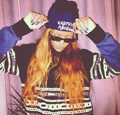 Diamonds World Tour (2013) > Backstage at the concert in PA