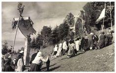 Csiksomlyó:búcsú.1943. Tolkien, Saints, Painting, Painting Art, Paintings, Painted Canvas, Drawings