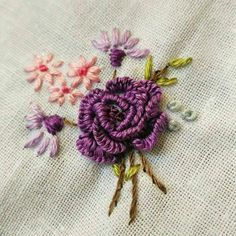 Diy Embroidery Stitches, Hand Embroidery, Embroidered Roses, Three Dimensional, Sewing Hacks, Foto E Video, Elsa, Creative, Instagram Posts