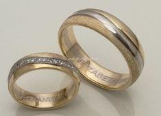 Reyes Arte y Joyas White Gold Wedding Bands, Unique Wedding Bands, Wedding Rings, Gold Ring Designs, Wedding Ring Designs, Ring Ring, Matching Wedding Band Sets, Engagement Rings Couple, Beautiful Rings
