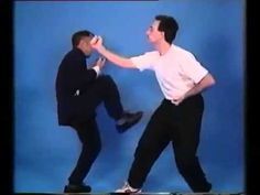 Top 20 wing Chun Techniques Real Wing Chun martial arts master teaching basic Top 20 Wing Chun Techniques to Wing Chun students. Wing Chun Martial Arts, Self Defense Martial Arts, Chinese Martial Arts, Mixed Martial Arts, Wing Chun Training, Ninja Training, Bruce Lee Workout, Dvd Series, T25 Workout