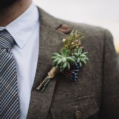 Succulent floral designs and beautiful views make this Scotland elopement from Caro Weiss Photography one to remember!