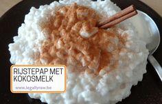 rijstepap met kokosmelk en zoooo heerlijk zacht en lekker met een smaak naar kokos, jammie!! http://legallyraw.be/rijstepap-met-kokosmelk/