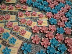 """Olha que suave beleza tem este """"... mar de Flor de Cera (pg 79/80), para homenagear N. S. Auxiliadora, pois já começou Maio, o mês das mães, o mês de Maria!!!"""" (Ká Papel)... https://www.facebook.com/LivroOrigamiEmFlorDeFlavianeKotiEVeraYoung"""