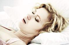 Se fosse la mamma a russare? In questa occasione invece del solito regalo perché non iniziare a curare la roncopatia della propria mamma?