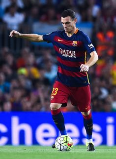 Thomas Vermaelen of FC Barcelona runs with the ball during the Joan Gamper trophy match at Camp Nou on August 5, 2015 in Barcelona, Catalonia.