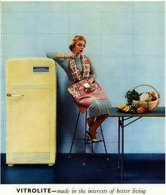 Vitrolite for the kitchen walls 60s Kitchen, Vintage Kitchen, Vintage Fridge, Retro Fridge, Kitchen Walls, Vintage Humor, Vintage Ads, Vintage Stuff, Retro Humour