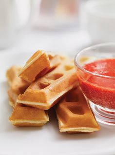 Ricardo Cuisine helps you find that perfect recipe for a fruit-based dessert. Crepes And Waffles, Breakfast Waffles, Breakfast Menu, Breakfast Recipes, Pancakes, Brunch Recipes, Breakfast Ideas, Ricardo Recipe, Homemade Desserts