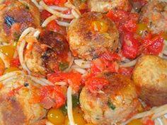 Tonijnballetjes in zelfgemaakte tomatensaus met spaghetti