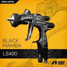 Le Supernova LS400 reste l'une des références pour les carrossiers soucieux d'obtenir un rendu optimal sur les carrosseries.Pour cette édition limitée, le pistolet est livré dans une boite .Ce coffret pistolet Iwata BLACK MAMBA comprend : - 1 pistolet LS 400 série limitée Black Mamba et numéroté  Le pistolet est équipé avec une buse de 1,3mm.- 1 godet de 600ml- 1 raccord rapide Euro- 1 régulateur manomètre de crosse- 1 kit de nettoyage complet- 1 support magnétique- 1 1 soufflette AI CLEAN'R- 1 Painting Logo, Car Painting, Spray Painting, Mamba Noir, Car Spray Paint, Best Paint Sprayer, Black Mamba, Cool Paintings, Custom Paint