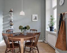 Hemnetgodis Prinsgatan 6 A Scandinavian Interior, Home Interior, Kitchen Interior, Interior And Exterior, Interior Design, Sweet Home Alabama, Beautiful Space, Dining Area, Home Kitchens