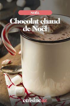 Facile de faire du chocolat chaud maison pendant la période de Noël avec notre recette !  #recette#cuisine#chocolat#chocolatchaud #noel#fete#findannee #fetesdefindannee Caramel, Macaron, Cocktails, Mugs, Tableware, Christmas, Xmas, Drink Recipes, Noel