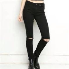 Black Distressed Knee Super Skinny Jeans ✅Make offers!  ✅Bundle/Shipping Discounts ✅Selective Trades (TRADE VALUE: $55) Don't ask to bundle/hold and not buy NO RUDE COMMENTS! Not actually BM listed for visibility Brandy Melville Jeans Skinny