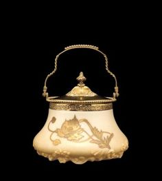 Covered Crown Milano Jar by Mt. Washington Glass Company, 1889-1895.  | Corning Museum of Glass #gold #goldleaf
