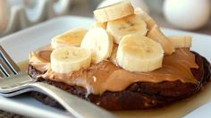 We added baking cocoa and dark chocolate to pancakes made with Bisquick and topped with peanut butter and bananas for an insanely delicious breakfast treat that's ready in only 20 minutes. Peanut Butter Pancakes, Chocolate Pancakes, Peanut Butter Banana, Chocolate Peanut Butter, Chocolate Desserts, Cake Batter Pancakes, Pancakes And Waffles, Making Pancakes, Breakfast Pancakes