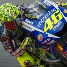 Valentino #Rossi prova la sua moto