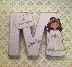 Letras decoradas. Altered letter. Scrapbook Mi Primera Comunión Pretty Letters, First Holy Communion, Wooden Letters, Letter Art, Picture Frames, Decoupage, Stencils, Crafts For Kids, Projects To Try