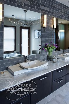 Modern bathroom design ideas can be used in most bathroom styles for an attractive midcentury look. Look these Stunning 25 Modern Bathroom Design Ideas. Modern Master Bathroom, Grey Bathrooms, Contemporary Bathrooms, Beautiful Bathrooms, Bathroom Gray, Contemporary Interior, Hotel Bathrooms, Half Bathrooms, Bathroom Accents