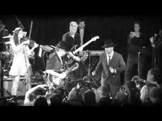 Stewart and Lindsey - Leave This Town (live at The Roxy) - YouTube