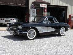 1961 Chevrolet Corvette Maintenance/restoration of old/vintage vehicles: the… Old Corvette, Chevrolet Corvette, Weird Cars, Cool Cars, Crazy Cars, Hot Rods, Vintage Cars, Antique Cars, Classic Car Restoration