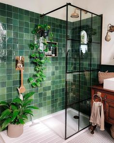 Bathroom Inspiration, Home Decor Inspiration, Decor Ideas, Bathroom Interior Design, Interior Decorating, Dream Home Design, Cozy House, House Styles, Green Tiles