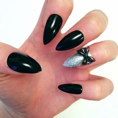 Doobys Stiletto - Black Gloss / Gel Look RED BOTTOMS 4 Silver Holographic Ring Finger 3D Bow - 24 Pointy Claw Nails Press on nails