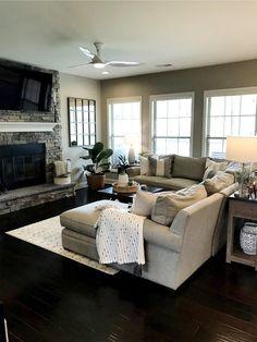 Design Living Room, Living Room Modern, Living Room Interior, Home Living Room, Living Room Decor, Apartment Living, Cozy Living, Farmhouse Living Rooms, Living Room Windows