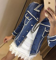 Diy Clothes Jeans, Diy Clothing, Denim Fashion, Boho Fashion, Looks Jeans, Cute Coats, Recycled Fashion, Embellished Jeans, Diy Schmuck