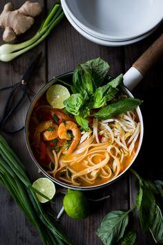 THAI COCONUT CURRY NOODLE SOUP (KHAO SOI)Really nice recipes.  Mein Blog: Alles rund um Genuss & Geschmack  Kochen Backen Braten Vorspeisen Mains & Desserts!